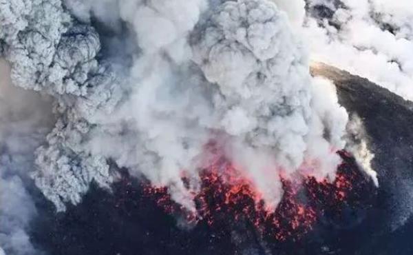 去日本旅游注意了!日本鹿儿岛火山喷发,70多航班取消!