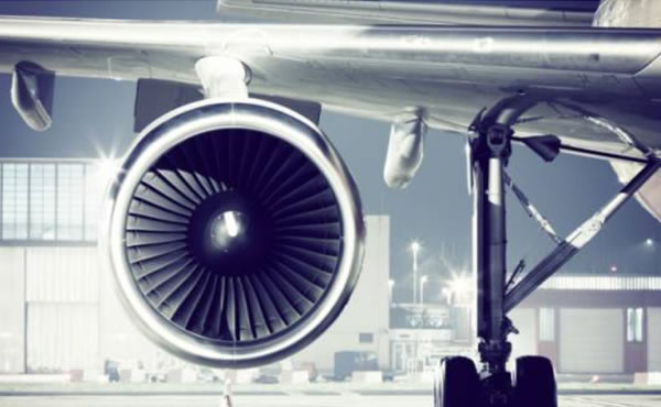 高空驾驶舱玻璃爆裂?!乘坐飞机你必须要知道的安全常识~