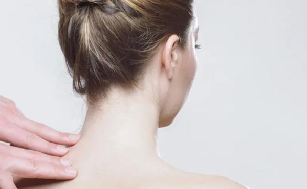 脊椎不好百病生,矫正脊椎的最好方法在这里!