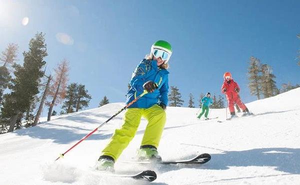 户外滑雪是危险运动吗?安全上雪道,别忘了这一步!